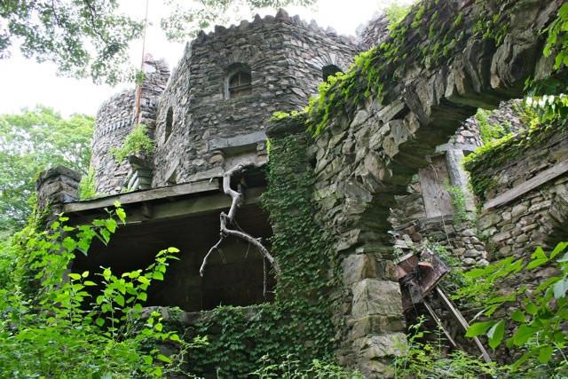 Inside The Hearthstone Castle.